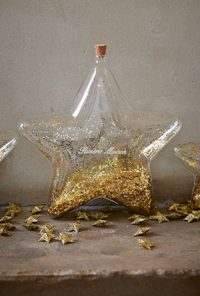 BIG STAR DECORATION BOTTLE GOLD | RIVIERA MAISON-0