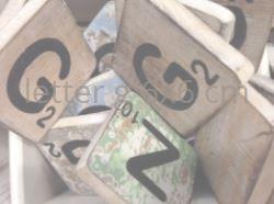 Houten Scrabble Letters en Symbolen 6x6 cm. - Cotton Counts-6574