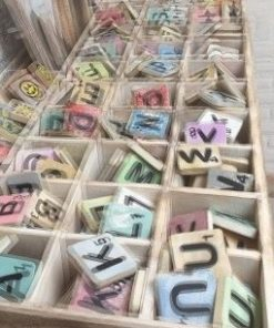 Houten Scrabble Letters en Symbolen 6x6 cm. - Cotton Counts-0