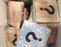 Houten Scrabble Letters en Symbolen 6x6 cm. - Cotton Counts-6586